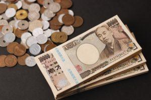 札束と硬貨
